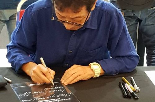 Ibe-san in G-SHOCK Store 1Utama! We were extremely excited to have Kikuo Ibe-san, Father of G-SHOCK, to grace his presence in our store!